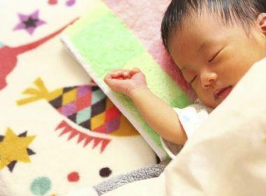 赤ちゃんの睡眠と寝具は吸水性と速乾性の高さがカギ!防水パッドシーツ
