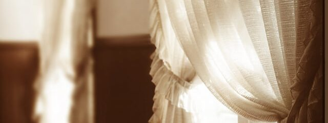 様々なカーテンの種類のご紹介
