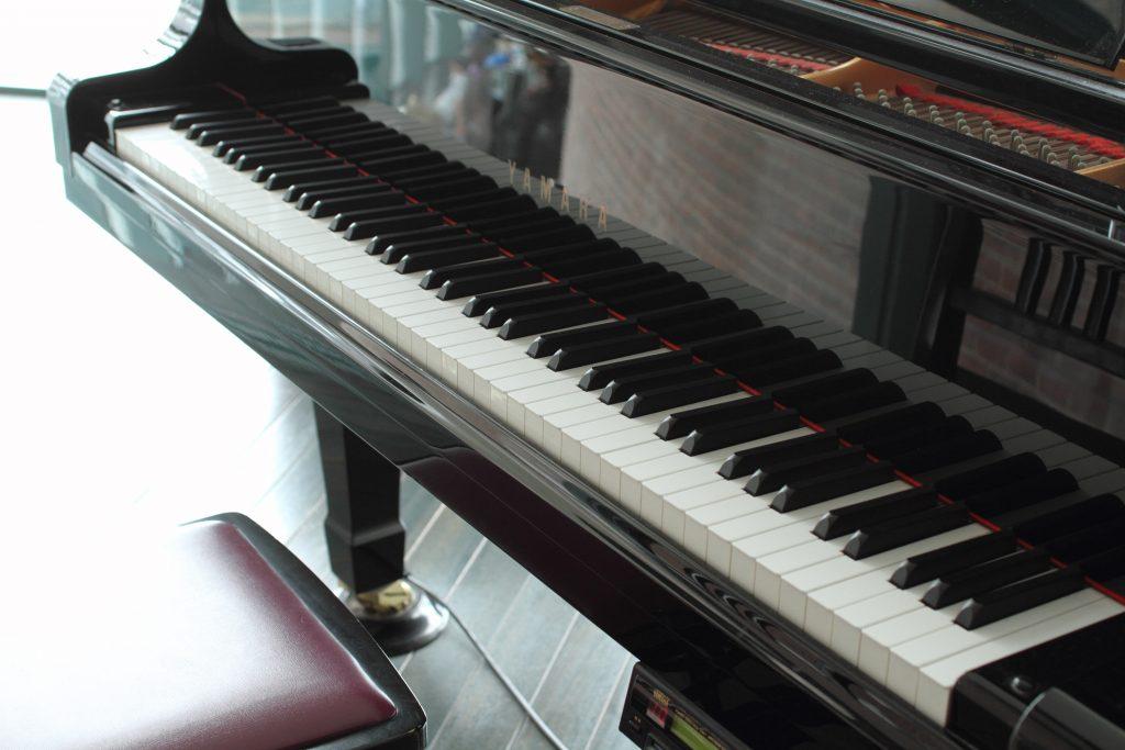 ピアノの購入入門編 ~まずは実物を触ってみよう~
