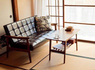 限られたスペースでも高級感が出せる革張りダイニングソファの魅力