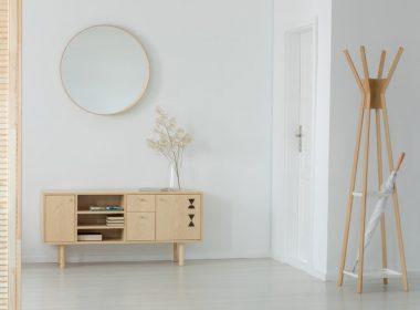 アイデア次第で狭い部屋でもしっかり収納!薄型収納家具の魅力