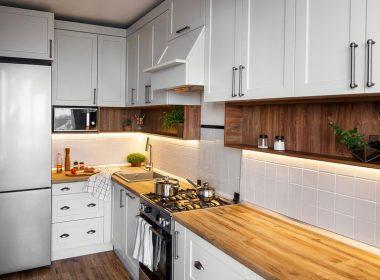色や明るさも重要!タイプに合わせたキッチン照明の選び方