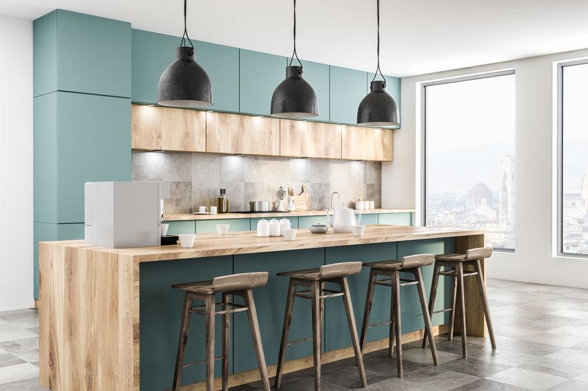 アンティークな雰囲気が魅力の木製カウンターチェア5