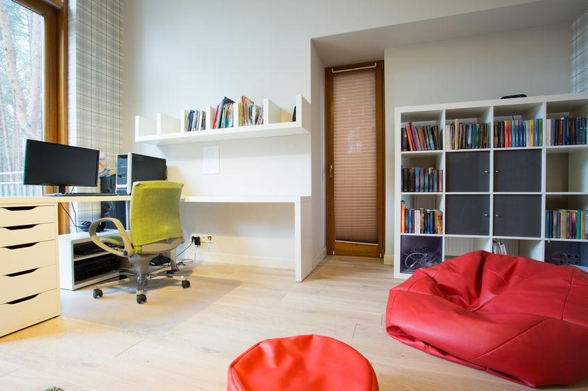趣味や仕事がはかどる書斎インテリアのコーディネート実例3