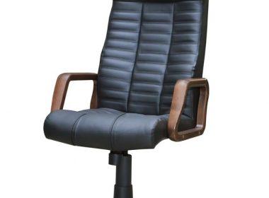 自宅で作業をするのなら、良い椅子を。