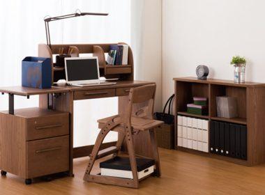 組み合わせて楽しむ!「小島工芸 アトラス」自由な可変式レイアウトが特徴の学習机