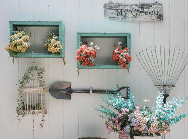 ナチュラルなインテリアが完成!花の壁掛けディスプレイ